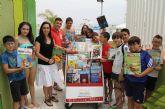 El Ayuntamiento pone en marcha el nuevo servicio de 'Bibliopiscina' durante los meses de julio y agosto