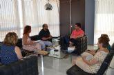 El alcalde se compromete con los vecinos a incrementar la vigilancia en Los Pozuelos
