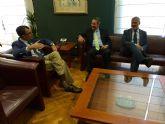 El director general de Telefónica visita al alcalde de Murcia