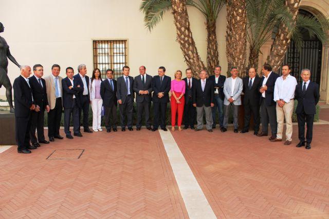 El secretario de Estado de Medio Ambiente ha asistido hoy en Murcia a la reunión de la Mesa del Agua para analizar el problema de la sequía