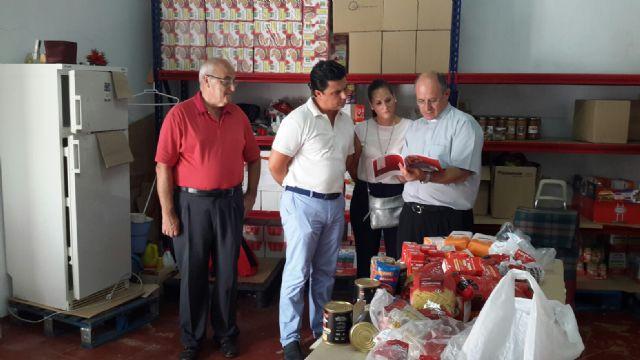 El alcalde visita Cáritas San Javier - 1, Foto 1