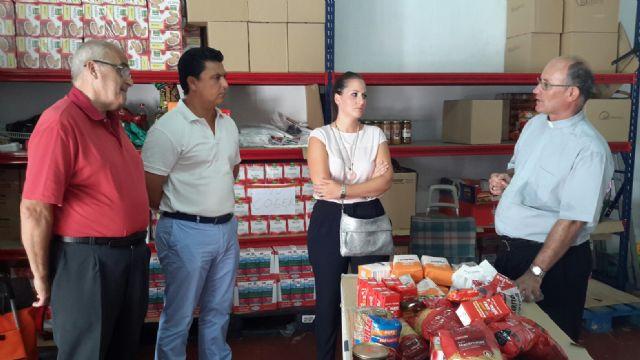 El alcalde visita Cáritas San Javier - 2, Foto 2