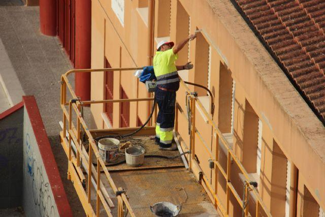 El Ayuntamiento está realizando diferentes obras de reforma en los centros educativos - 1, Foto 1