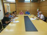 Ortiz solicita a la Plataforma ´La Costera Sur También es Murcia´ sus propuestas para incorporarlas al proyecto de la nueva línea 27