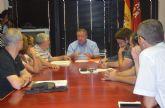 El consejero Francisco Bernabé se reúne con el portavoz de la Plataforma Pro-Soterramiento