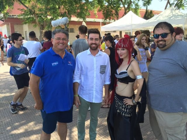 El director general de Juventud y el alcalde de Los Alcázares visitan esta iniciativa, que este año duplica el número de actividades y llega al centenar en dos días - 1, Foto 1