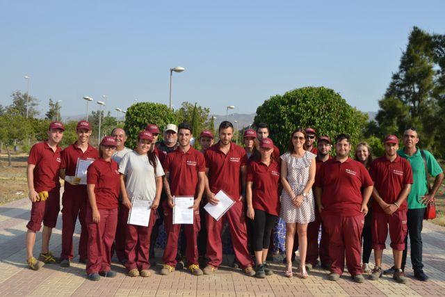 Quince jóvenes desempleados se benefician del Programa Mixto de Empleo y Formación puesto en marcha en Águilas - 2, Foto 2