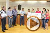 El EVA-13 entrega a D�genes y AELIP 2.558 euros recaudados en la carrera Dragon Challenge