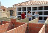El Ayuntamiento realiza obras de mejora y construye nuevos nichos en el cementerio de Puerto Lumbreras