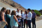 El consejero de Fomento e Infraestructuras se compromete en Pozo Aledo a dar una solución a la redonda de acceso a la pedanía