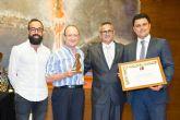 El Pleno agradece el galardón 'Pencho Cross' que el Festival del Cante de las Minas de La Unión otorgó al Festival de Jazz de San Javier