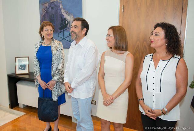El Ayuntamiento agasaja a la embajadora de México - 4, Foto 4