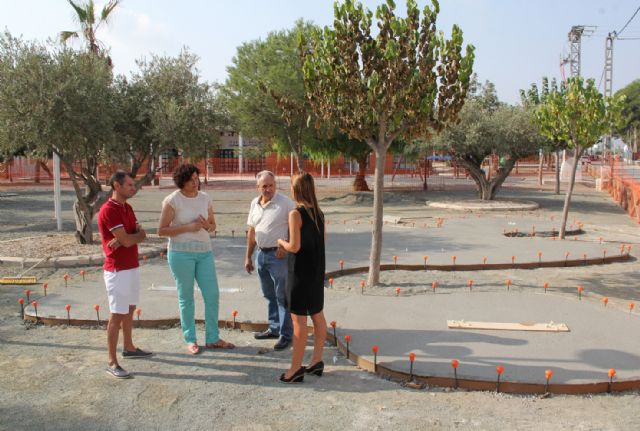 El Ayuntamiento realiza mejoras en el parque público de La Estación-Esparragal y construye una nueva zona de juegos biosaludables - 1, Foto 1
