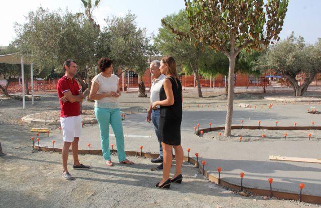 El Ayuntamiento realiza mejoras en el parque público de La Estación-Esparragal y construye una nueva zona de juegos biosaludables - 2, Foto 2