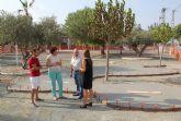 El Ayuntamiento realiza mejoras en el parque público de La Estación-Esparragal y construye una nueva zona de juegos biosaludables