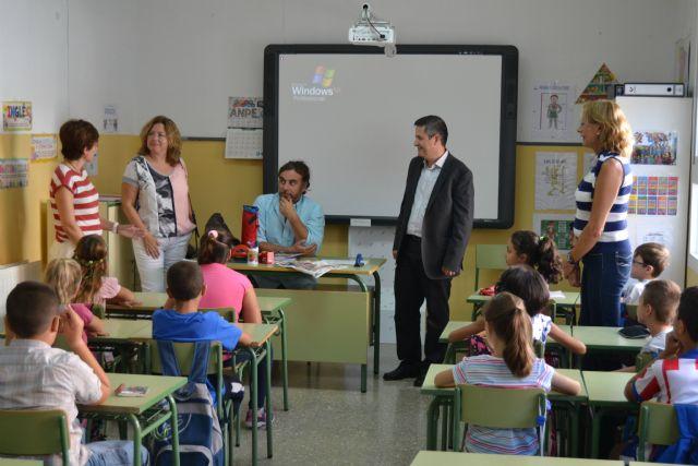 En torno a 2.700 niños comienzan el curso en los nueve colegios de San Pedro del Pinatar - 1, Foto 1