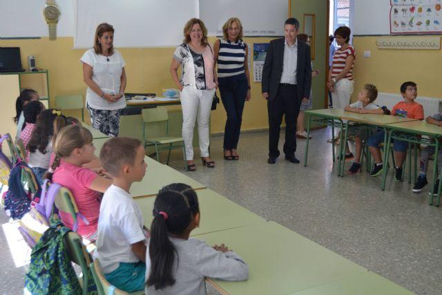 En torno a 2.700 niños comienzan el curso en los nueve colegios de San Pedro del Pinatar - 2, Foto 2