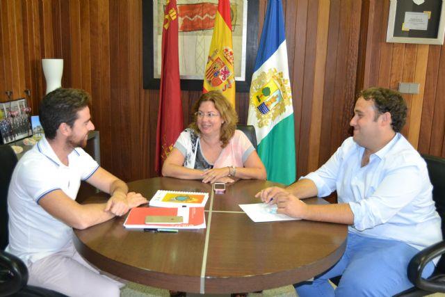 El Ayuntamiento y la Comunidad abordan nuevos programas en materia de Juventud en el municipio - 1, Foto 1