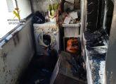 La Benemérita evacua a los moradores de una vivienda incendiada y a sus vecinos
