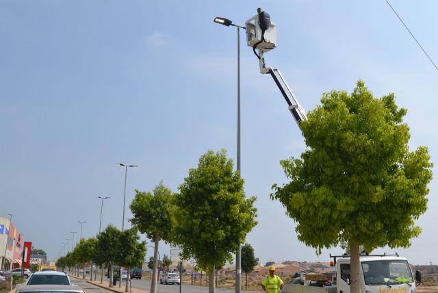 La instalación de nuevas luminarias reduce un 60,6% el consumo eléctrico en la principal vía del municipio - 2, Foto 2