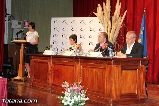 IES Juan de la Cierva of Totana celebrates the tenth anniversary of International Baccalaureate, Foto 1