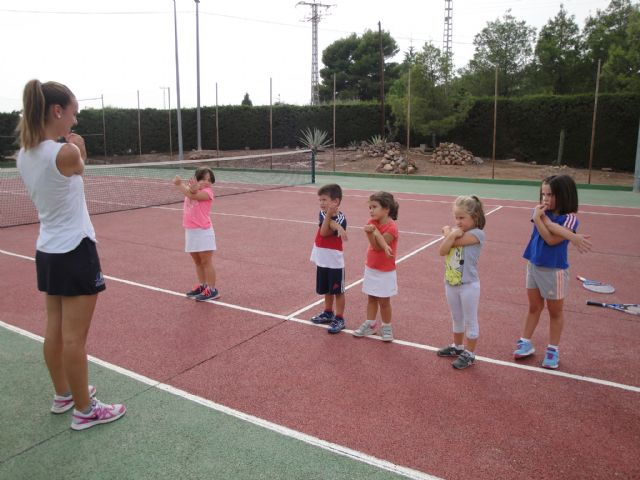 Starts Tennis School Kuore on the slopes of Sports and the Sports City
