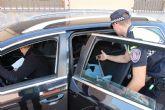La Policía Local de Puerto Lumbreras realiza una campaña informativa sobre cinturón de seguridad y sistemas de retención infantil