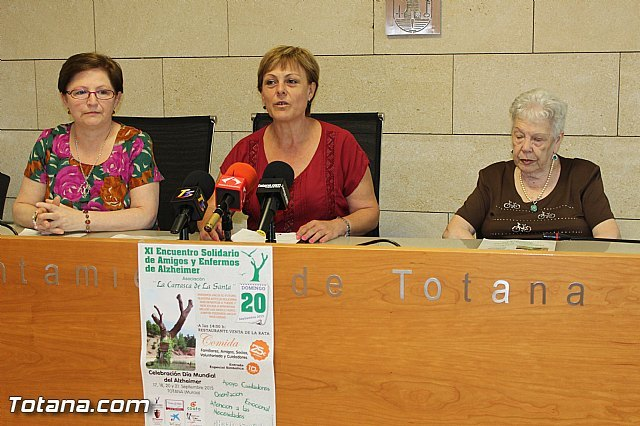 """The Association """"La Carrasca La Santa"""" Solidarity celebrates the XI Meeting of Friends and People with Alzheimer"""