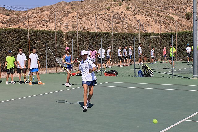 They begin classes at the School of Totana Tennis Club