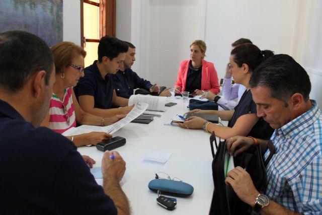 La Alcaldesa entrega a la Policía Local de Archena un nuevo etilómetro para la prevención del consumo de bebidas alcohólicas - 2, Foto 2