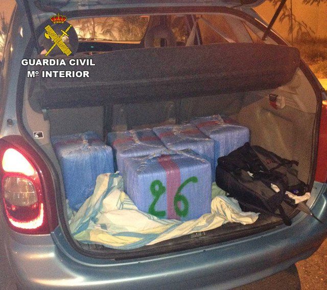 Arrested in Granada a neighbor of Totana with 150 kilos of hashish in the trunk