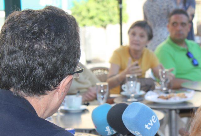 El Alcalde comparte un desayuno con vecinos para hablar sobre Murcia - 4, Foto 4