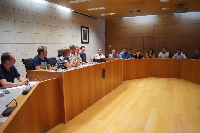 El Gobierno municipal se reúne, por vez primera en esta nueva legislatura, con el Ilustre Cabildo de Procesiones - 1, Foto 1