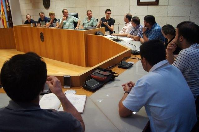 El Gobierno municipal se reúne, por vez primera en esta nueva legislatura, con el Ilustre Cabildo de Procesiones - 2, Foto 2