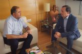El alcalde se entrevista con el decano del Colegio de Ingenieros de Obras Públicas e Ingenieros Civiles