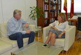La consejera de Educación y Universidades se reúne con el alcalde de Albudeite