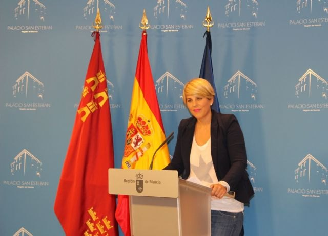 El Ejecutivo regional concede la máxima distinción regional a 32 víctimas del terrorismo de la Región de Murcia - 1, Foto 1