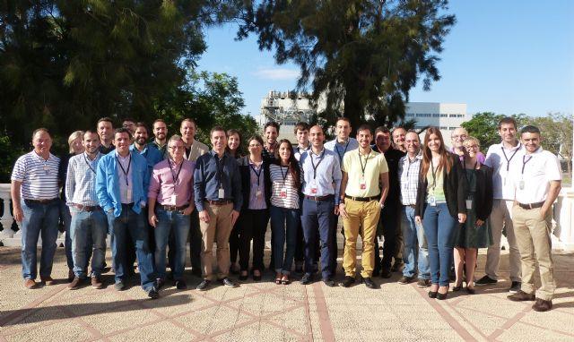 Estudiantes universitarios presentan a los responsables de SABIC sus proyectos - 1, Foto 1