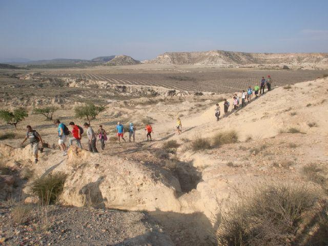 33 personas participaron en una ruta senderista por Mula y Albudeite, Foto 8