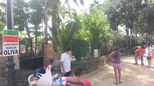 Grandes y pequeños se reúnen en las Alamedas para disfrutar de una jornada de juegos populares y tradición - 4, Foto 4