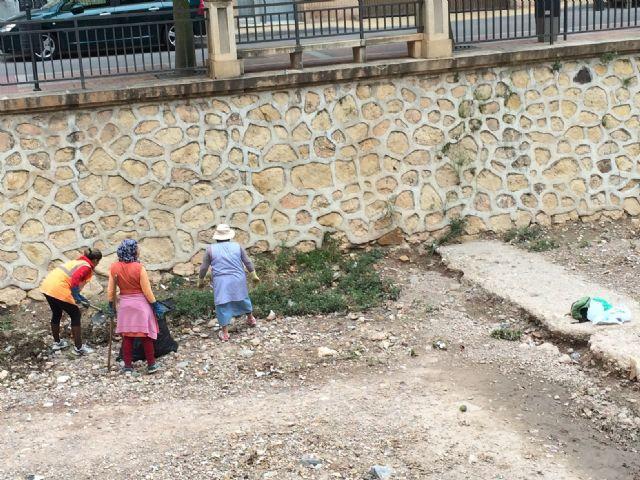 Limpian las ramblas de La Santa y el Cementerio, Foto 1
