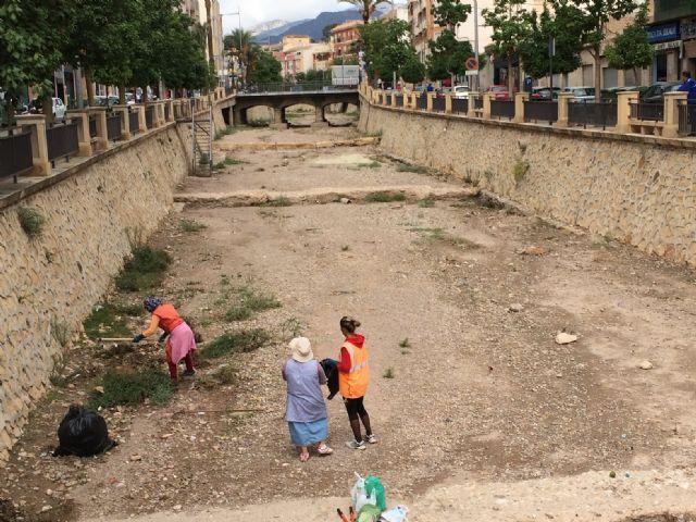 Limpian las ramblas de La Santa y el Cementerio, Foto 2