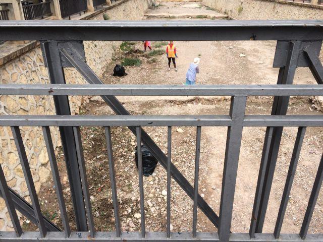 Limpian las ramblas de La Santa y el Cementerio, Foto 3