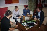 El Alcalde de Cehegín recibe, a dos deportistas cehegineros, como reconocimiento público a sus gestas deportivas