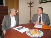 El consejero Francisco Bernabé se reúne con el alcalde de Villanueva del Río Segura
