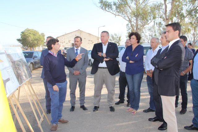 La alcaldesa de Puerto Lumbreras y el consejero de Fomento inauguran las actuaciones de mejora en la carreta RM-D19 - 2, Foto 2
