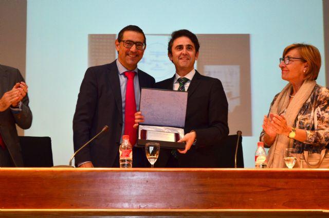 El Consejo General de la Ingeniería Técnica Industrial de España recibe el reconocimiento a su labor de mediación judicial en las IV Jornadas Profesionales celebradas en Murcia - 1, Foto 1