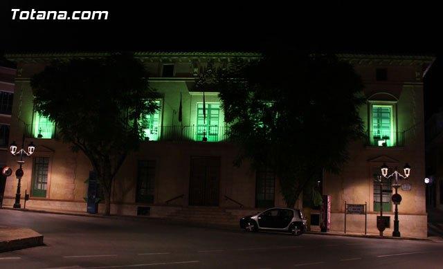 El Ayuntamiento de Totana se iluminó de verde por la #Plenainclusión de las personas con discapacidad intelectual, Foto 3
