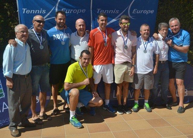 El totanero Pedro Cánovas Subcampeón de Europa por Clubs de veteranos +35, Foto 3