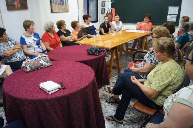 Comienza el nuevo curso 2015/16 de la Asociaci�n Sociocultural de la Mujer de Totana con un amplio programa de actividades, Foto 2